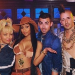 DNCE ft. Nicki Minaj